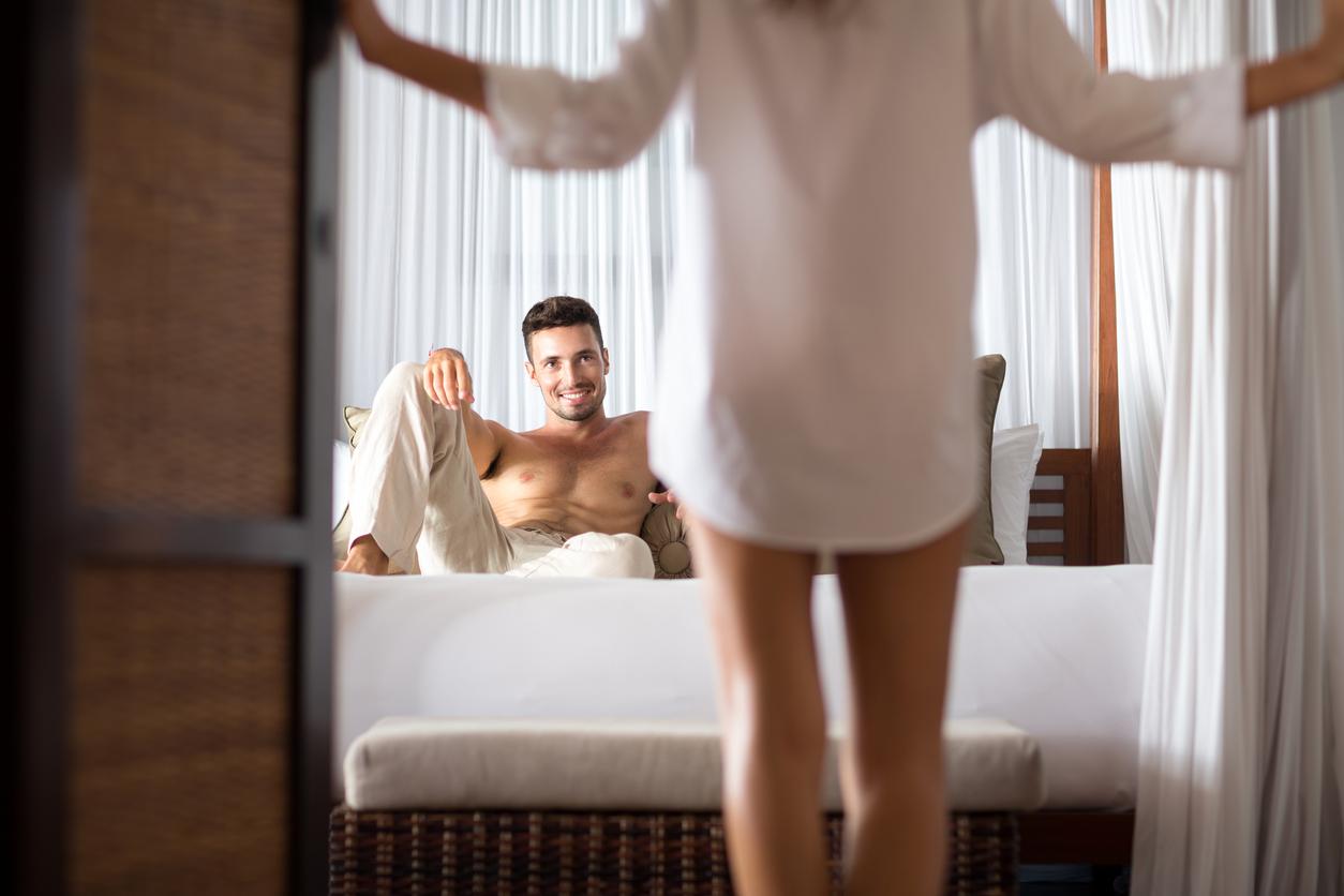 Соблазнение женщиной молодых людей смотреть онлайн, фото зрелой порно звезды